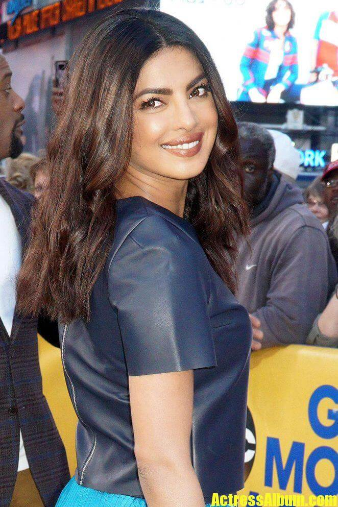 Priyanka Chopra Ki Sexy Photo Priyanka Chopra Ki Sexy Photo