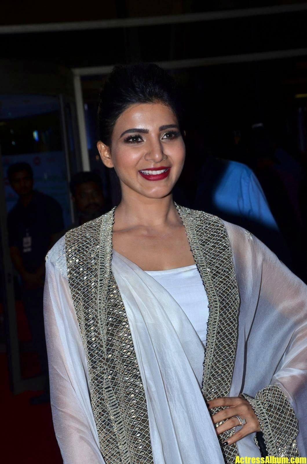 Samantha At Filmfare Awards