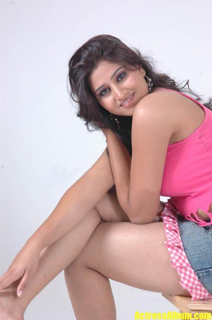 Telugu Actress Shamili Hot Expose Hd Photos - Actress Album-8461