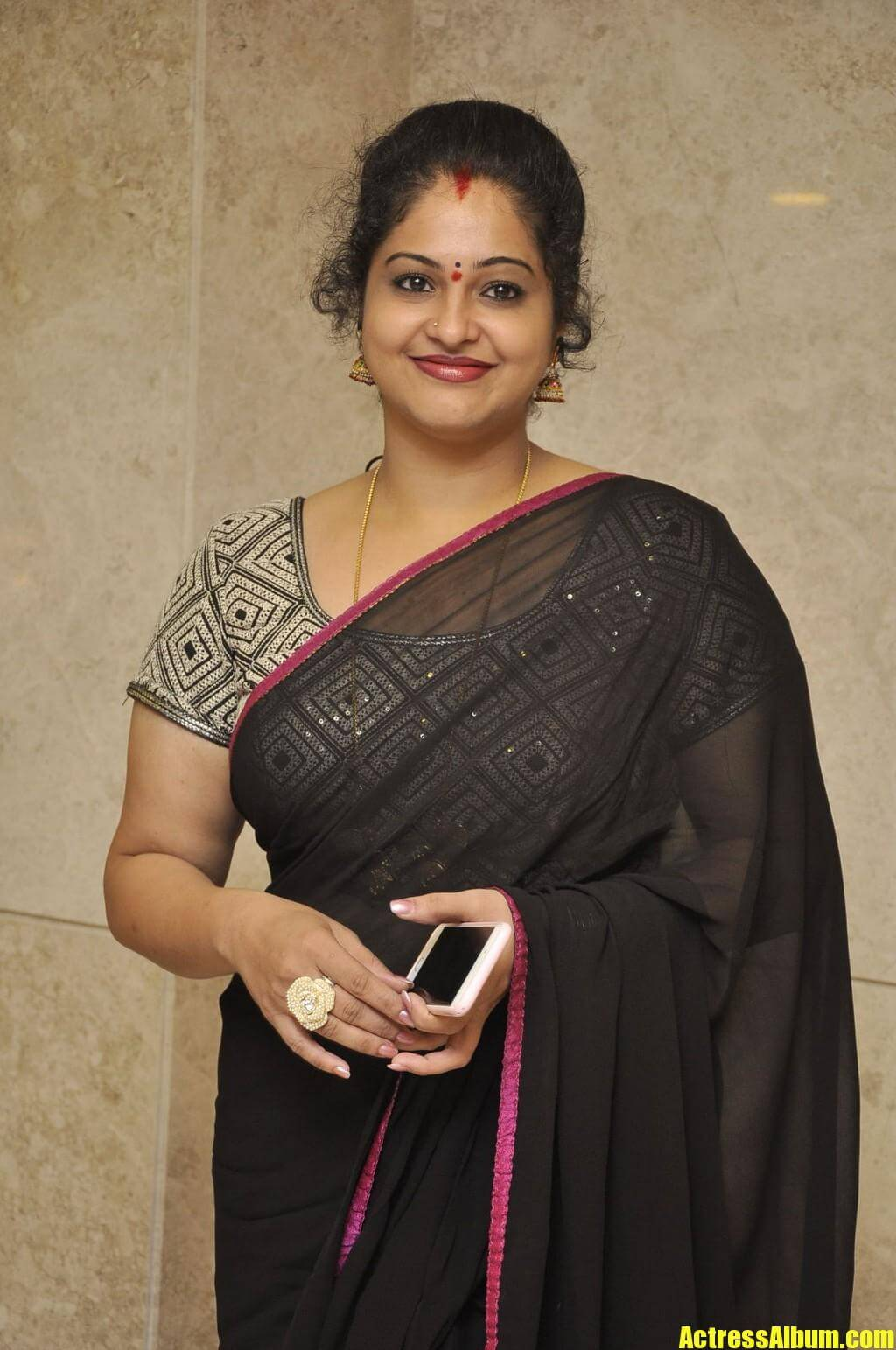 Tollywood Actress Raasi Hot Saree Hd Photos - Actress Album