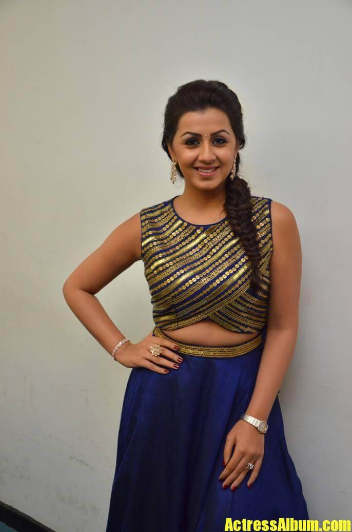 Beautiful Chennai Girl Nikki Galrani Hip Show Stills In Blue Dress6 - Actress Album-2586