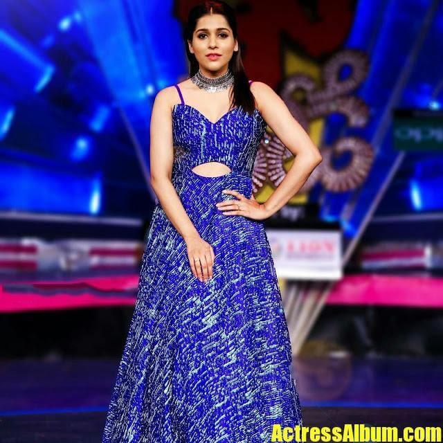 Jabardasth Anchor Rashmi Gautam Latest Stills - Actress Album