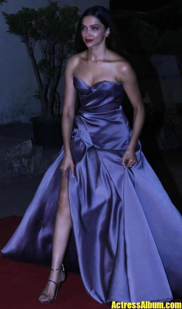 Deepika Padukone Long Leg Show In Blue Dress Actress Album