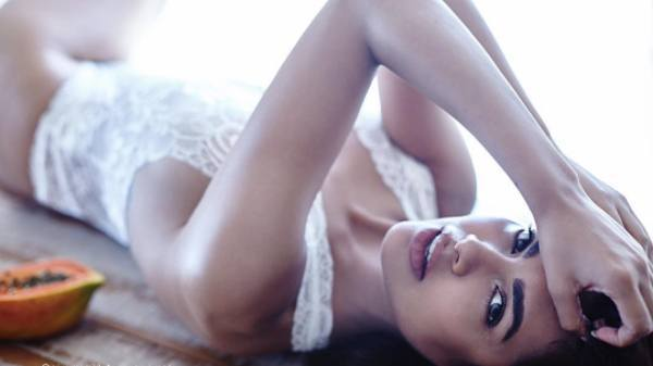 Esha Gupta 1 - Esha Gupta most Sexiest Photos-Bikiniwear Pictures-Hot Hd Wallpapers