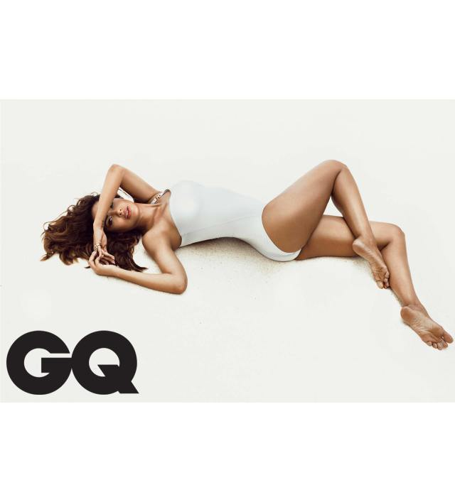 Esha Gupta hot photos 04 - Esha Gupta most Sexiest Photos-Bikiniwear Pictures-Hot Hd Wallpapers