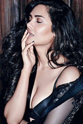 Esha Gupta sexy Photos 1 - Esha Gupta most Sexiest Photos-Bikiniwear Pictures-Hot Hd Wallpapers