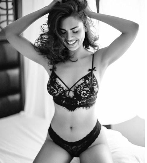 Esha Gupta sexy Photos 16 - Esha Gupta most Sexiest Photos-Bikiniwear Pictures-Hot Hd Wallpapers
