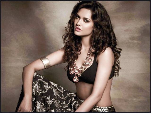 Esha Gupta 2364x1773 - Esha Gupta most Sexiest Photos-Bikiniwear Pictures-Hot Hd Wallpapers