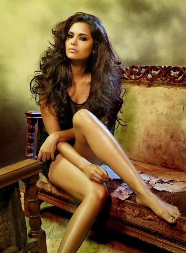 bollywood celebrity esha gupta 310 - Esha Gupta most Sexiest Photos-Bikiniwear Pictures-Hot Hd Wallpapers