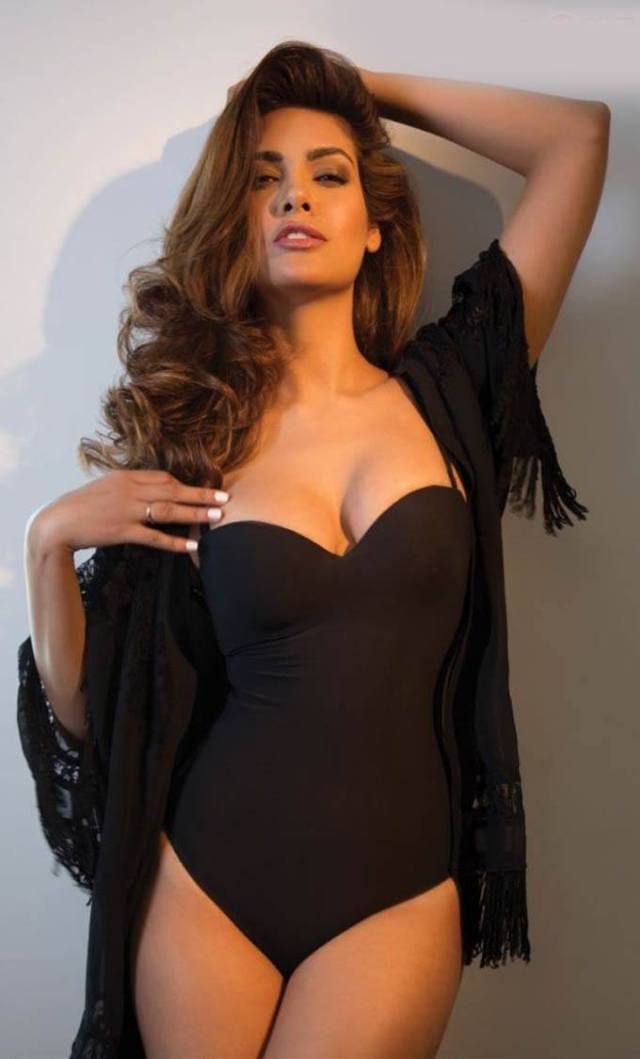 esha gupta 141509503510 - Esha Gupta most Sexiest Photos-Bikiniwear Pictures-Hot Hd Wallpapers