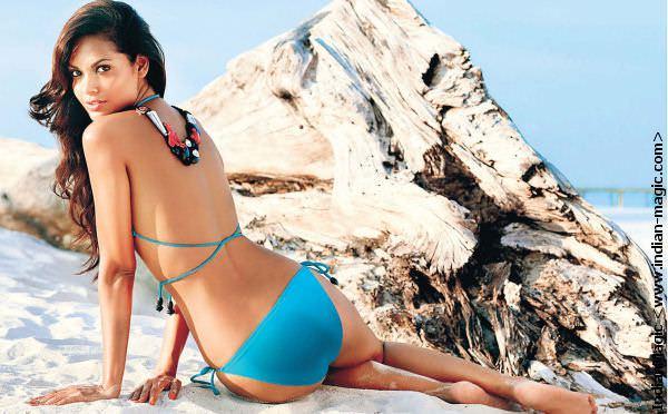 eshagupta80 - Esha Gupta most Sexiest Photos-Bikiniwear Pictures-Hot Hd Wallpapers