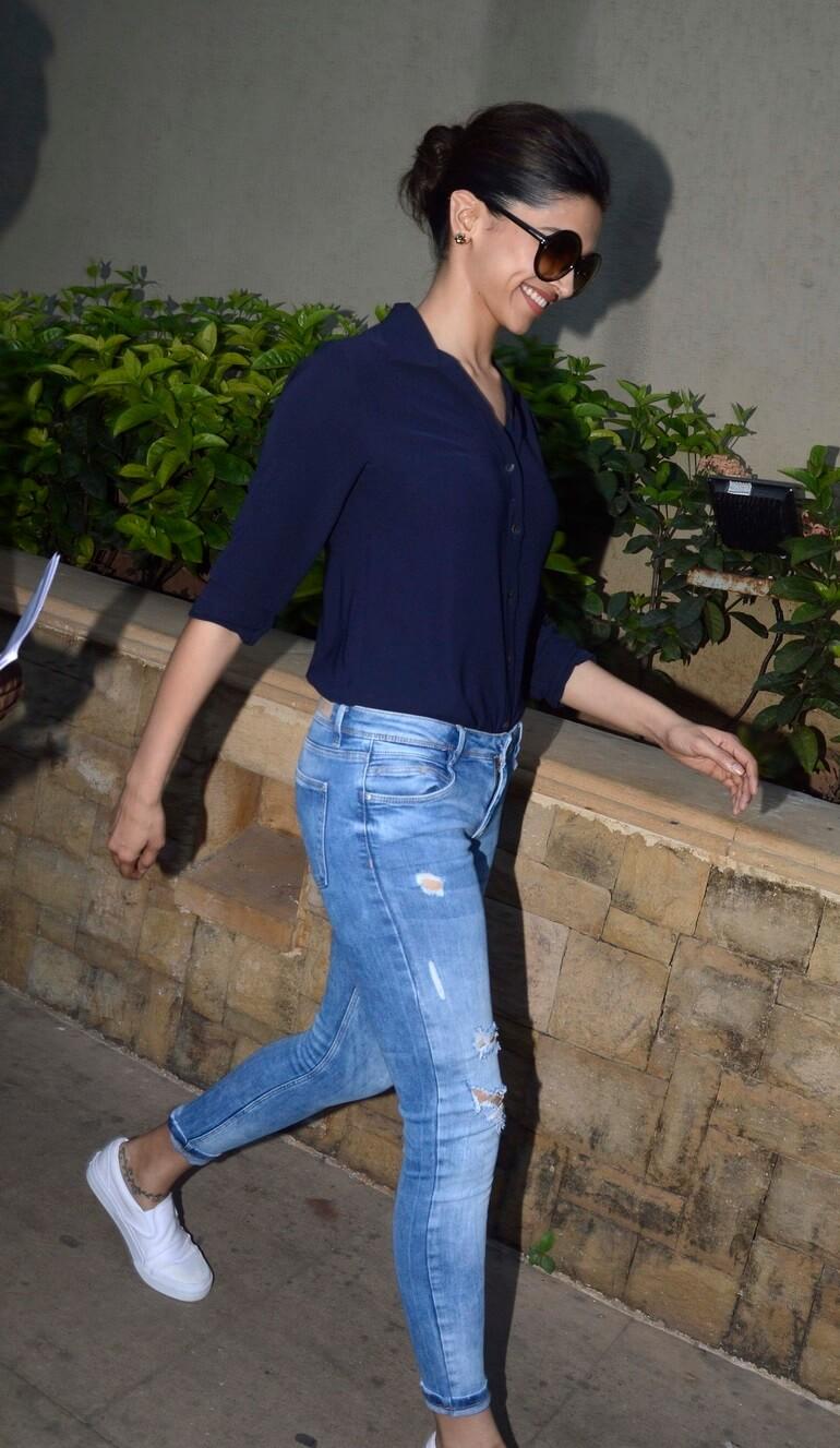 Indian Actress Deepika Padukone In T Shirt Jeans Actress