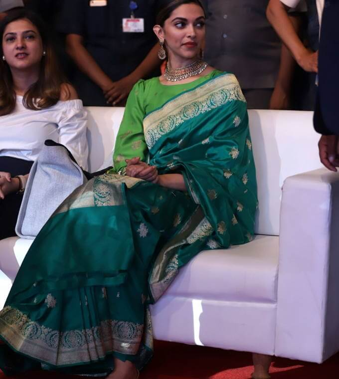 Indian Actress Deepika Padukone Stills In Green Saree.2 ...