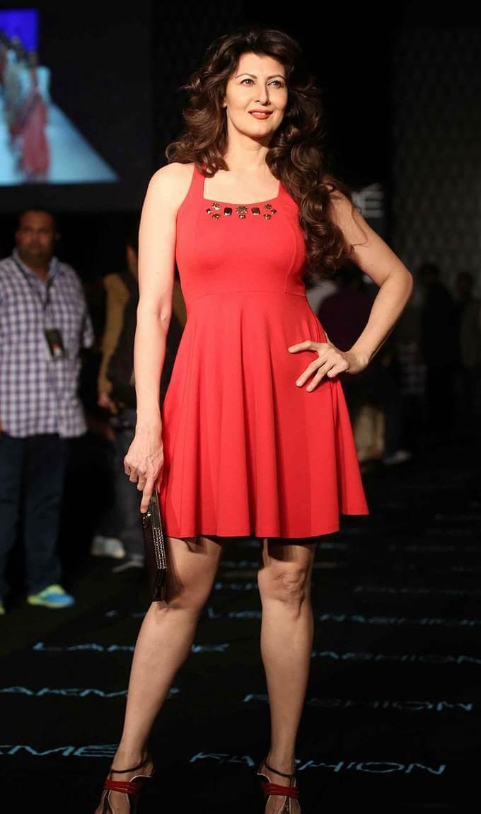 Indian Model Sangeeta Bijlani In Red Dress At Lakme