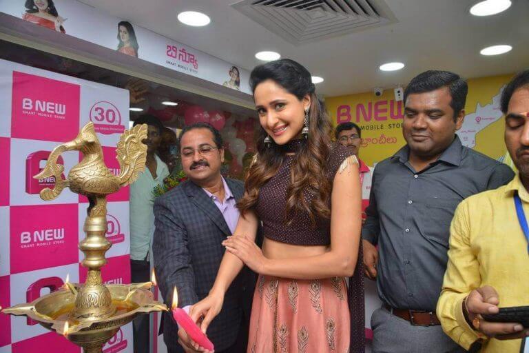 Hebah Patel Upcoming Movie Working Stills - Actress Album