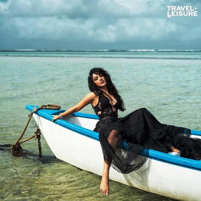 Kiara Advani Hot Pics