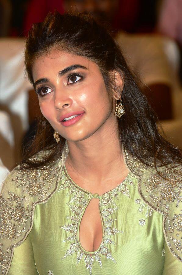 Gaddalakonda Ganesh Movie Heroine