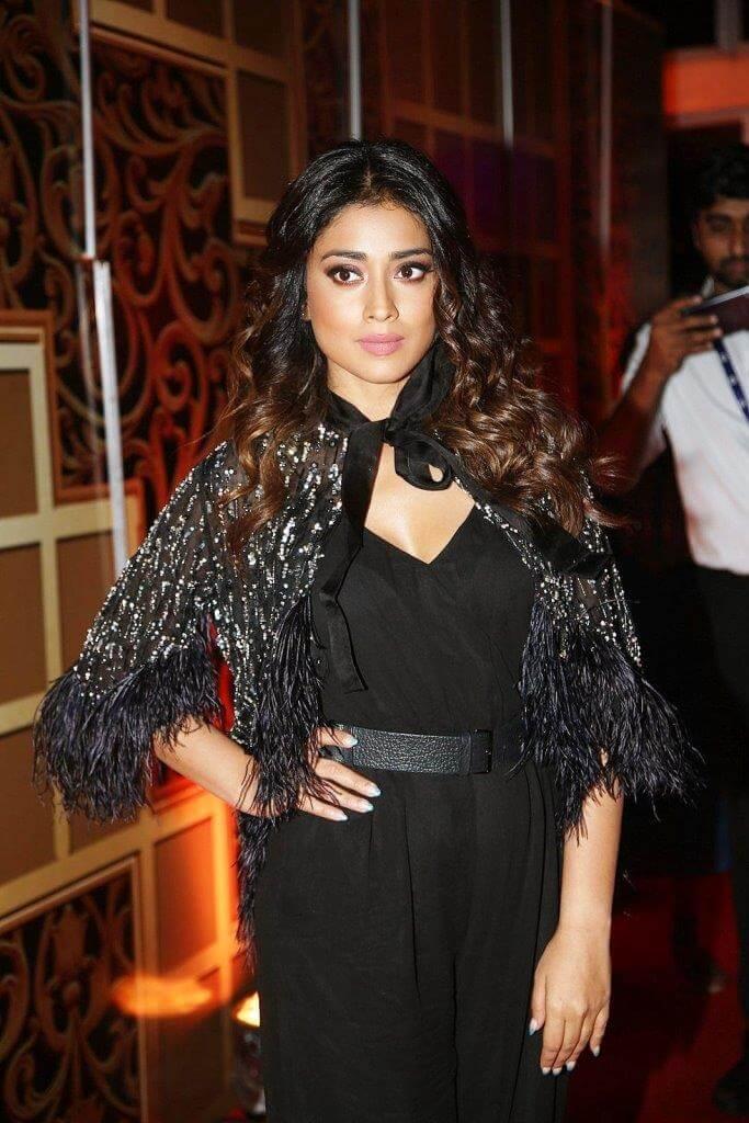 Shriya Saran At Zee Awards function