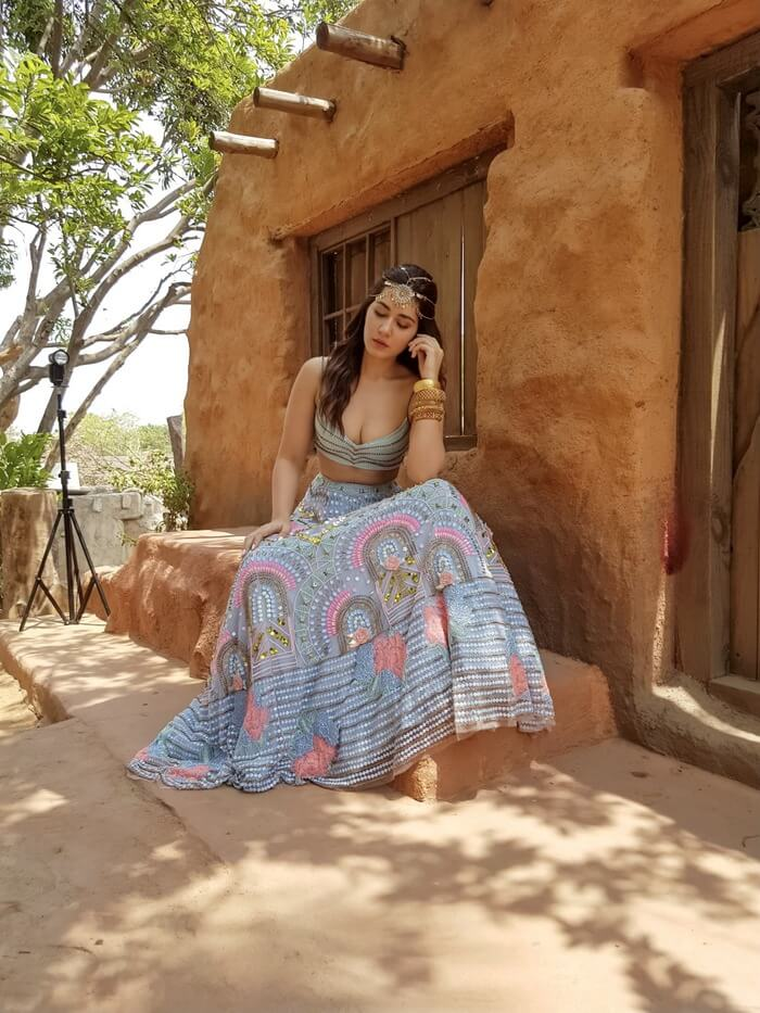 Actress Rashi Khanna Exclusive Movie Stills
