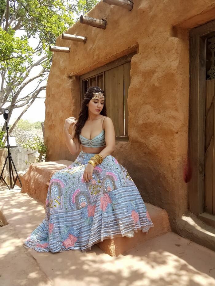 Actress Rashi Khanna Exclusive