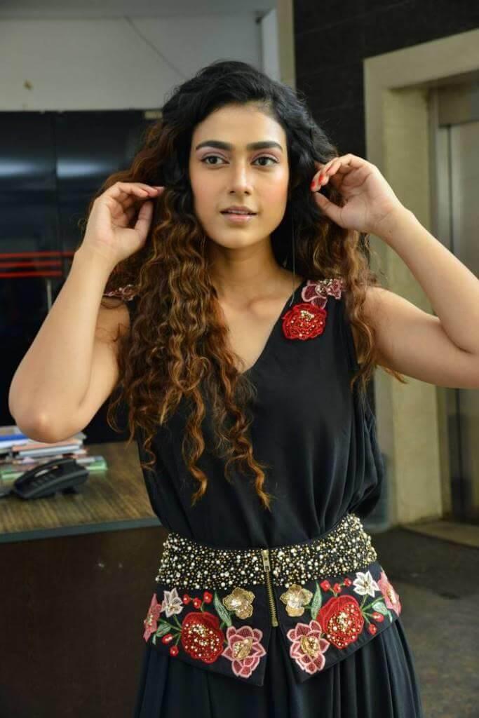 Aakanksha Singh Images