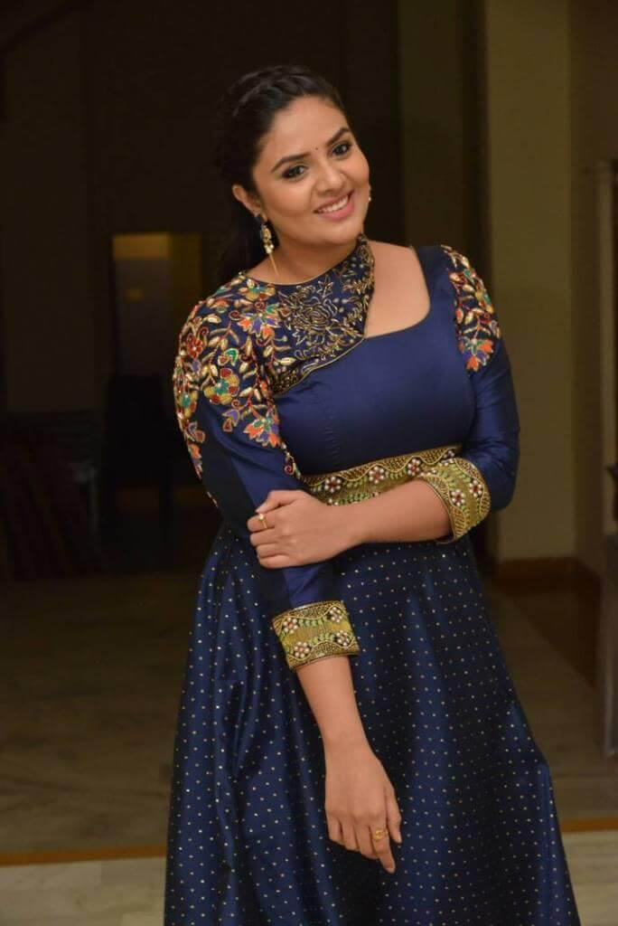 Anchor Srimukhi New Photos In Violet Dress