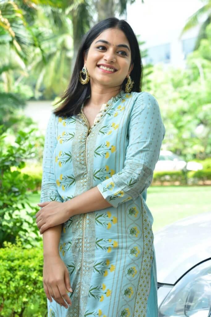 Actress Punarnavi Bhupalam