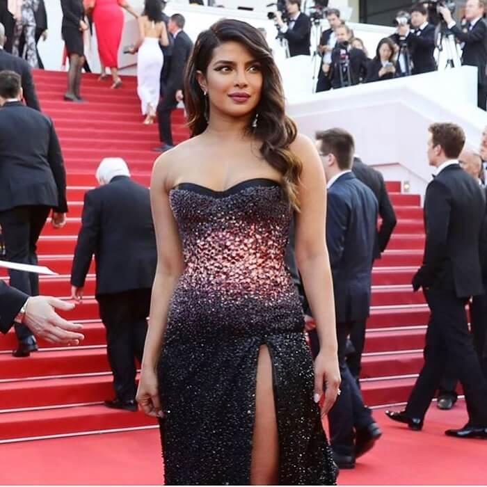 Bollywood Gorgeous Priyanka Chopra Stills On Red Carpet