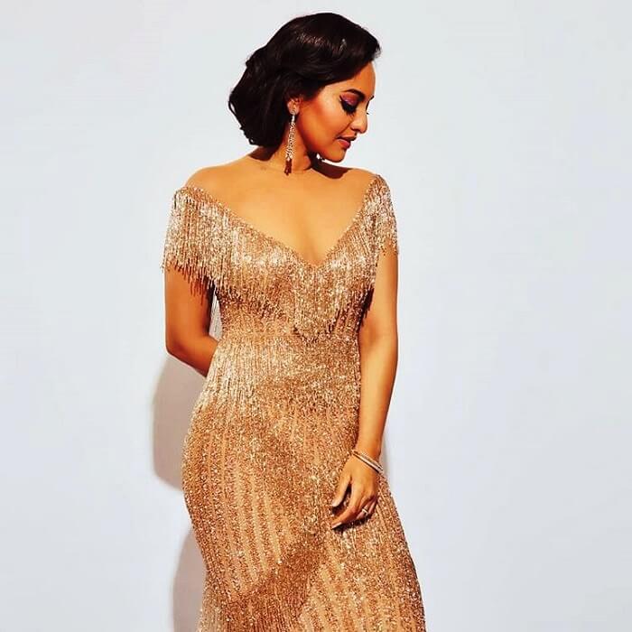Bollywood Gorgeous Sonakshi Sinha Latest Photoshoot Stills