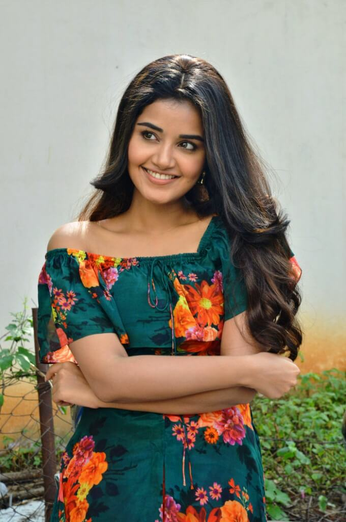 Cute Photos Of Anupama Parameswaran