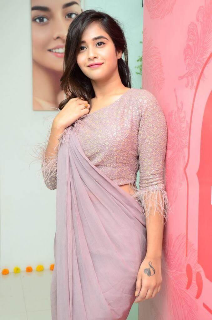 Deepthi Sunaina Hot Poses in Saree