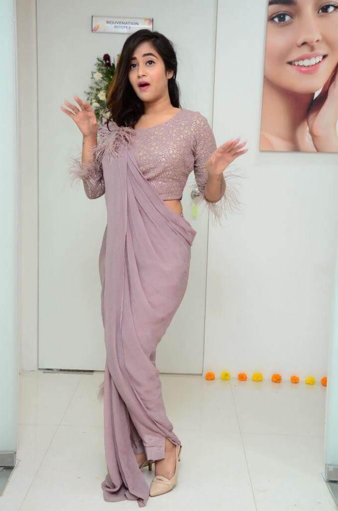 Heroine Deepthi Sunaina