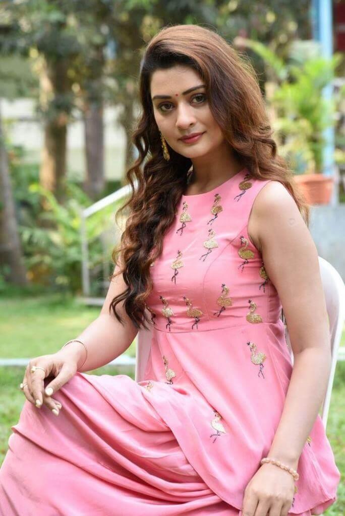Hot Beauty Payal Rajput Pics In The Pink Dress
