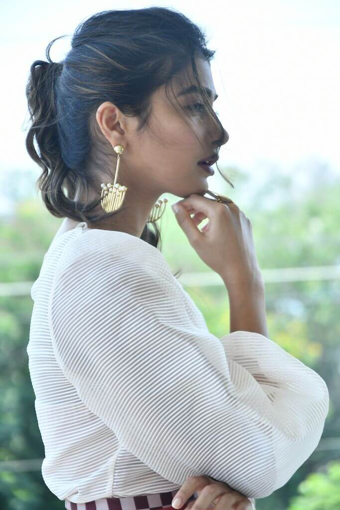 Pooja Hegde In Beautiful Dress