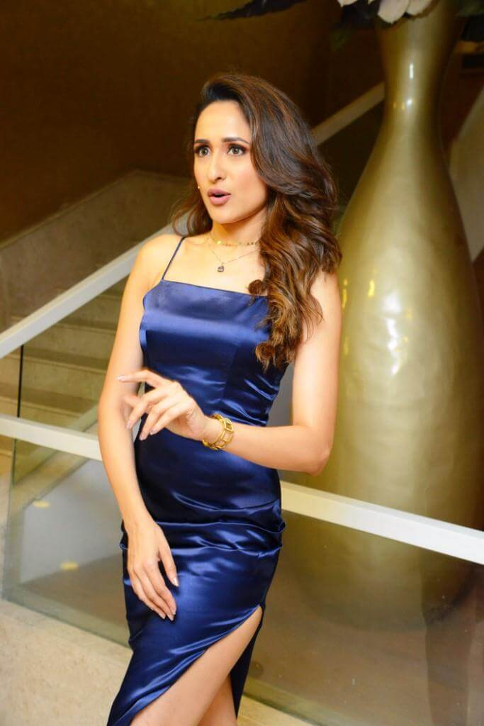 Pragya Jaiswal Photos In Skirt
