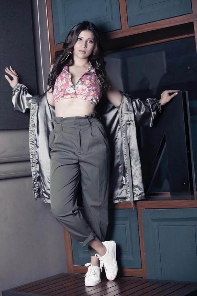 Recent Clicks Of Actress Mannara Chopra