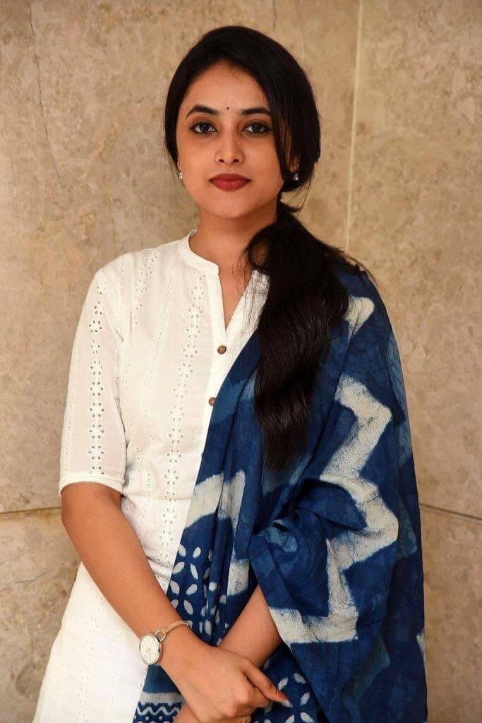 Priyanka Mohan Cute Pics In White Churidar