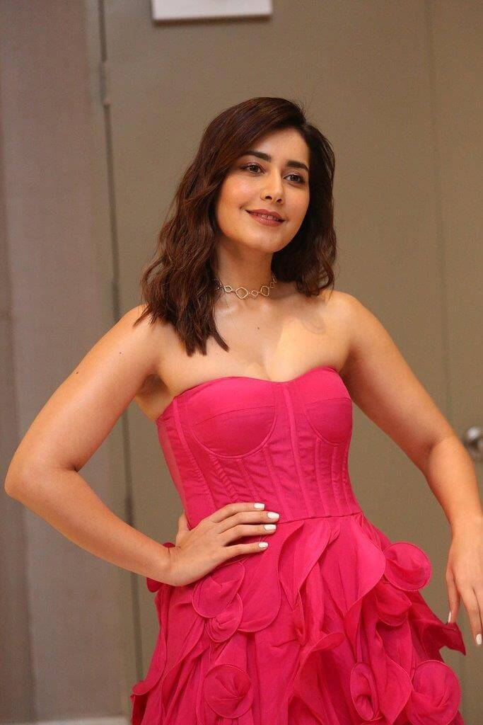 Raashi Khanna At Pre-Release Event