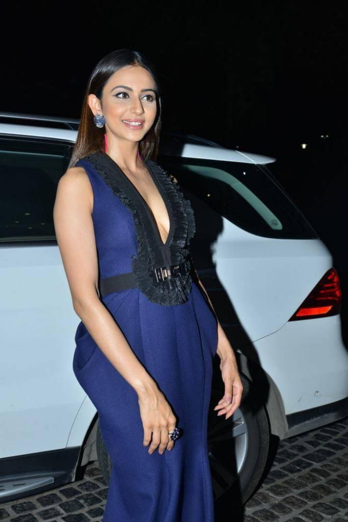 Rakul Preet Stunning Looks