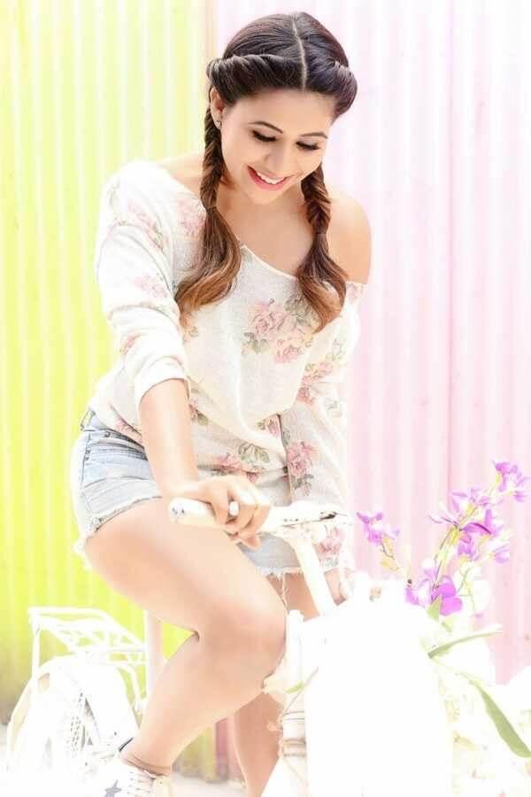Recent HD Photos Of Manali Rathod