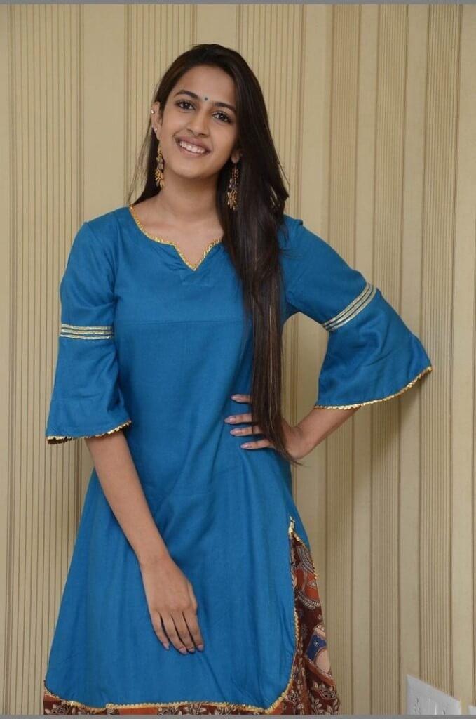 Telugu Actress Niharika Konidela HD Stills