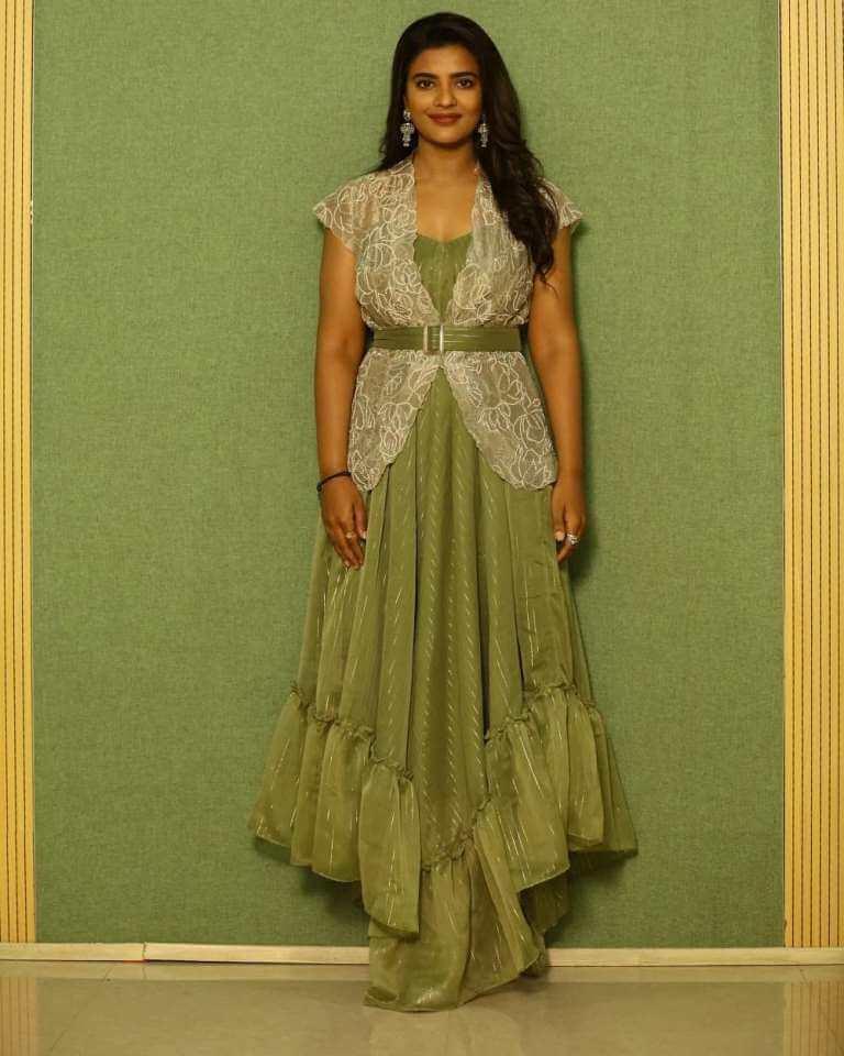 Actress Aishwarya Rajesh At Vannam Kottatum Audio Function