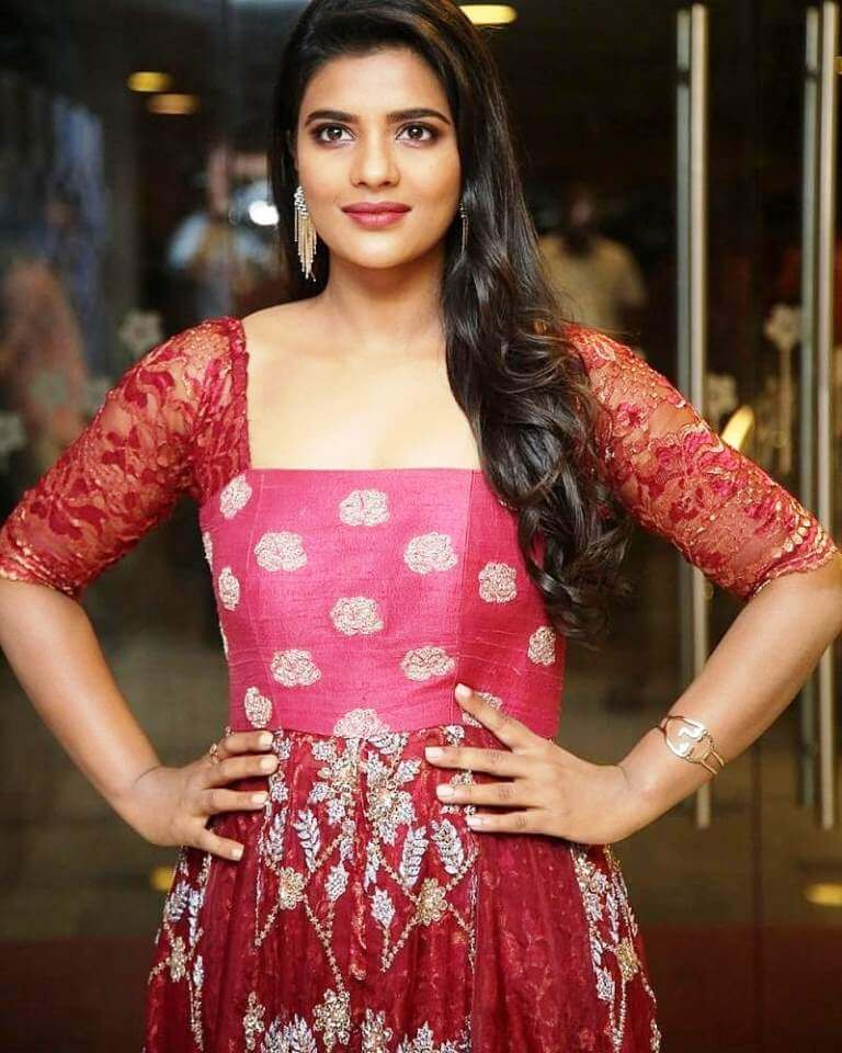 Aishwarya Rajesh Hot Stills At Mismatch Movie Pre-Release Event