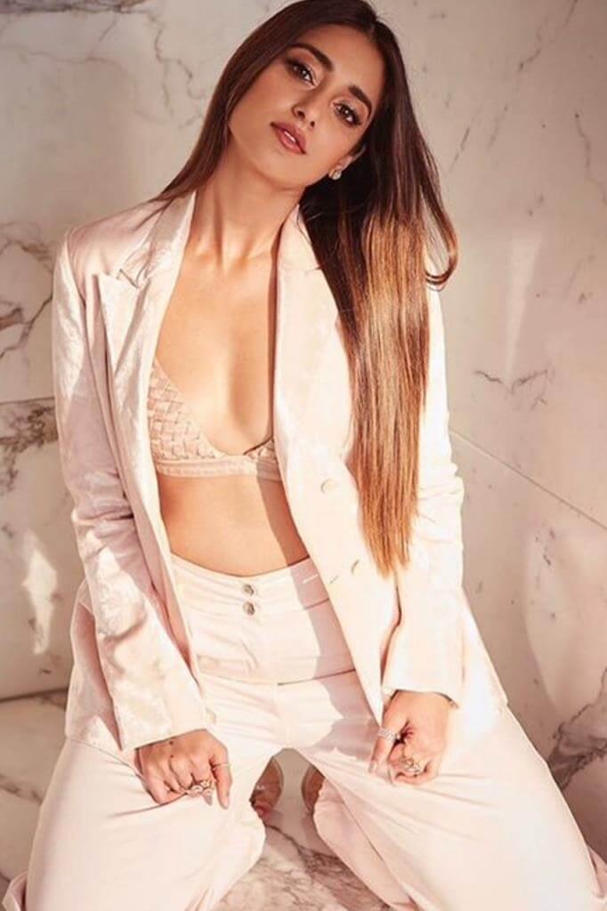 hot Cleavage Of Ileana D'cruz