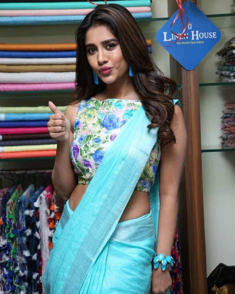 Nabha Natesh Stills At 'Linen House' Dilsukhnagar Branch Opening