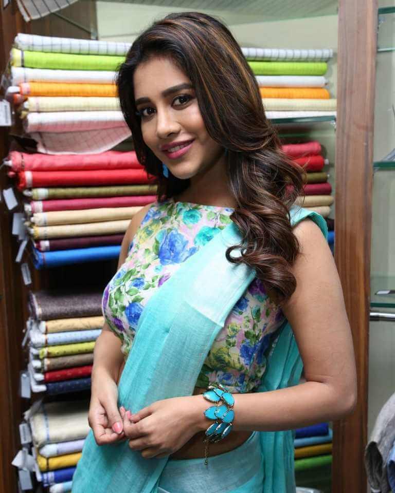 Nabha Stills At 'Linen House' Dilsukhnagar Branch