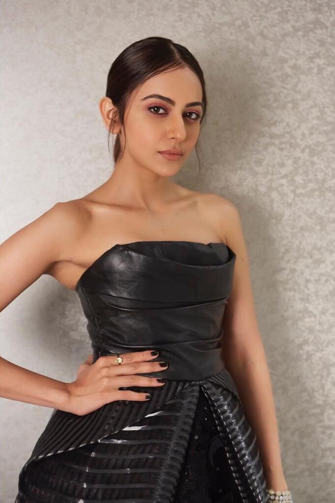 Rakul Preet At Filmfare Glamour & Style Awards Function