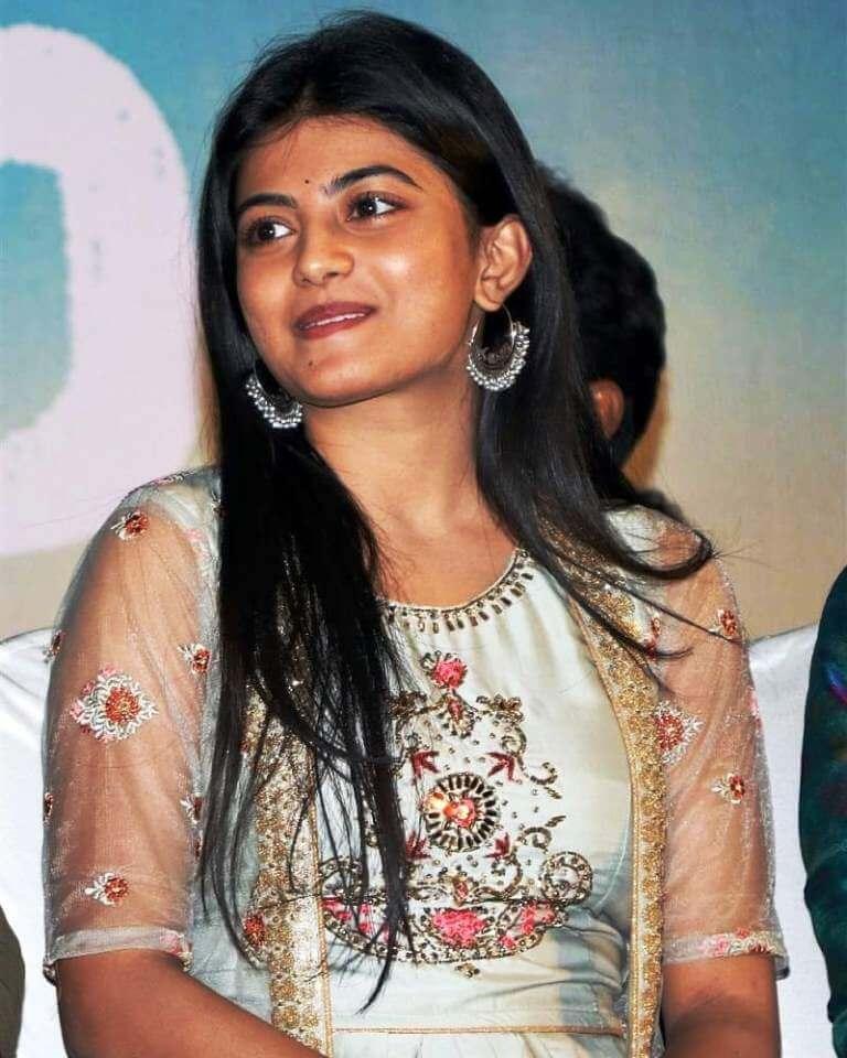 Kaayal Movie Actress