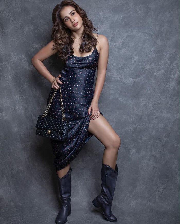 Actress Aisha Sharma Hot Photos