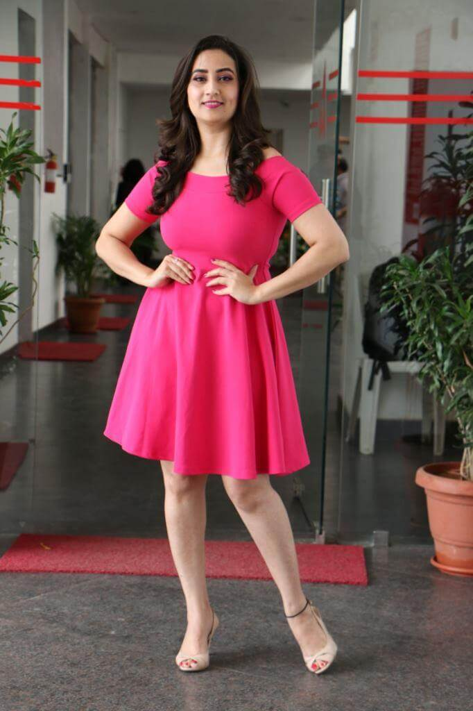 TV Anchor Manjusha Stills At World Famous Lover movie promotions